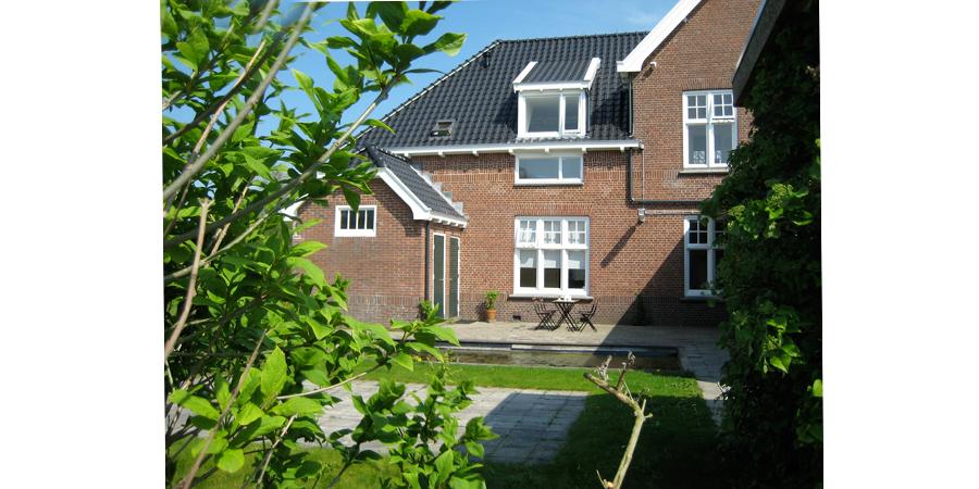 LaKaserna erfgoedlogies appartement (Bed and Breakfast) in Bad Nieuweschans. GUESTS GARDEN